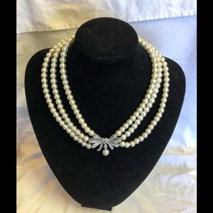 Gorgeous set of pearls with silver n diamonds 💎